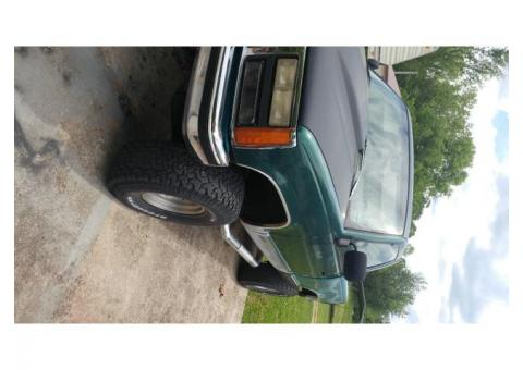 93 Chevy half ton pickup runs very well lot of things been done to it wanting to sell because moving