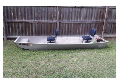 1981 Lowe Jon Boat